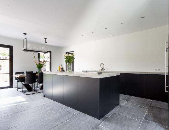 Gezandstraald-belgische-hardstenen-vloeren-productfoto-003