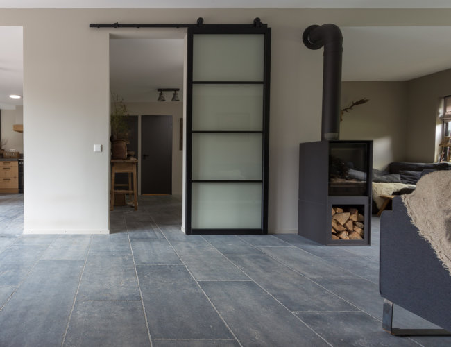Gezandstraald-belgische-hardstenen-vloeren-productfoto-007