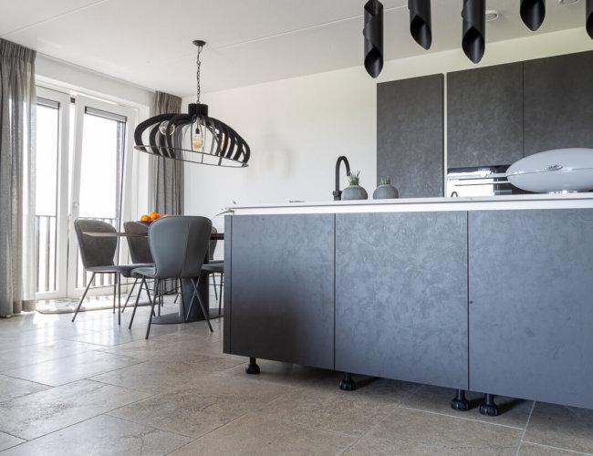 Trans-grey-light-bourgondische-dallen-productfoto-001