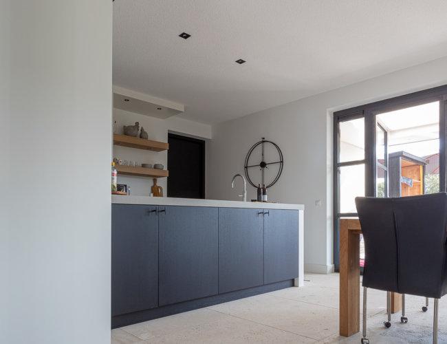 Gezandstraald-travertin-vloeren-productfoto-001